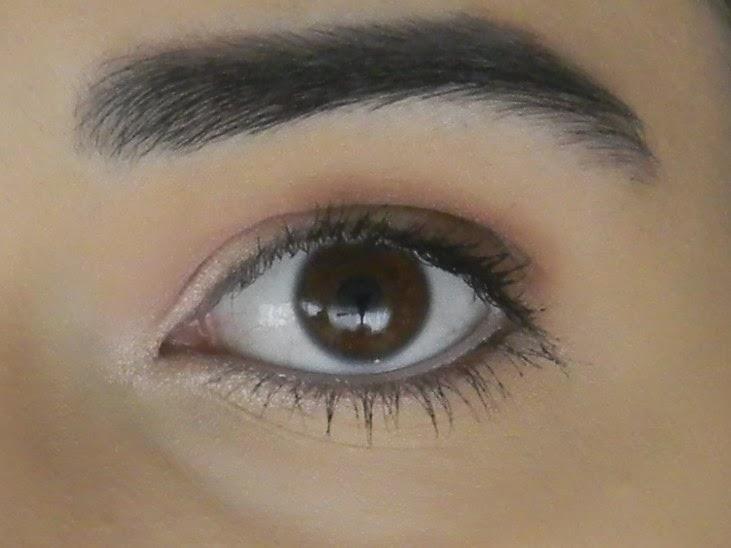 le blog d 39 une rose des bois comment se maquiller les yeux tape par tape. Black Bedroom Furniture Sets. Home Design Ideas
