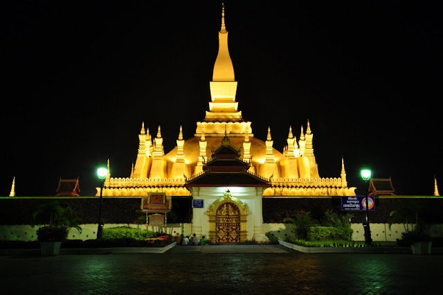 Du-lich-Lao-Vienchan-That-Luang-10