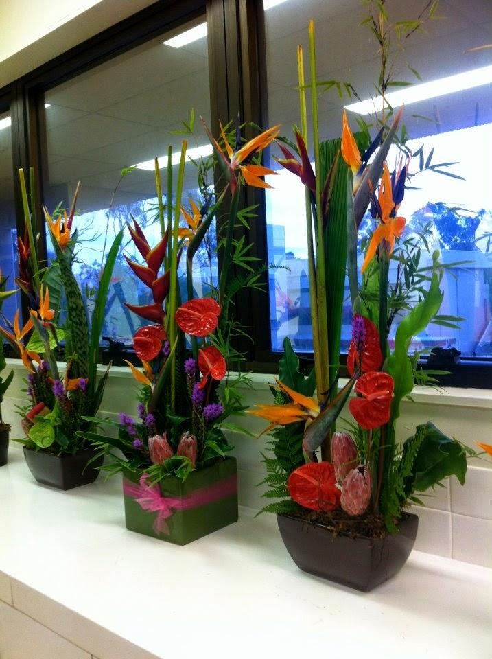 http://www.centrodemesa.org/2014/07/decoraciones-florales-y-alquiler-de.html