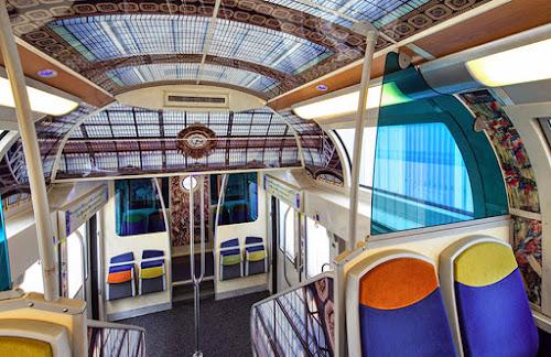 Trens Franceses viram telas de arte.