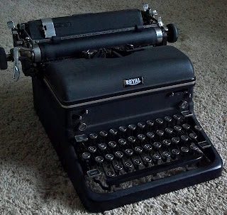 royal kmm typewriter from the 1940s with magic margins
