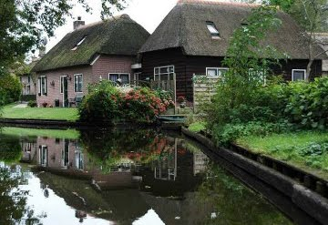 2, giethoorn in holland marisa haque & ikang fawzi, village withouts treets