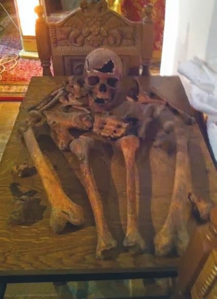 Τα χαριτόβρυτα λείψανα της Αγίας Νεομάρτυρος Ακυλίνης - Αγγελίνης.