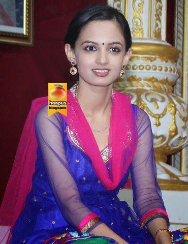 marathi-actress-Ketaki-Mategaonkar-hot-photos-haapus-blogspot-in-gfdh