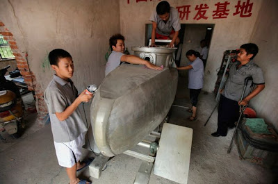 Handmade Chinese Submarine Seen On www.coolpicturegallery.us