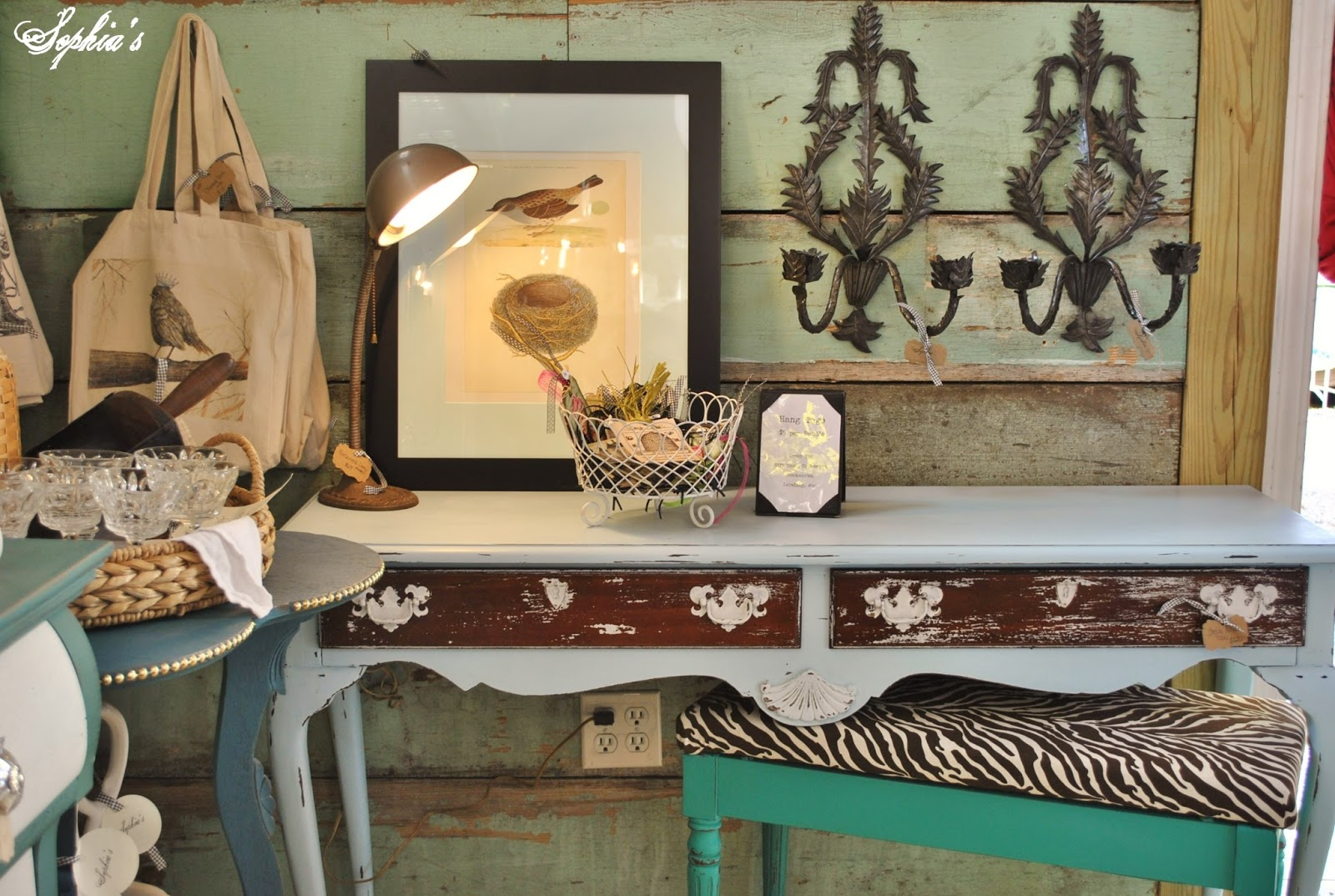 Pin by char wagner on shoppes pinterest - Table console blanche ...