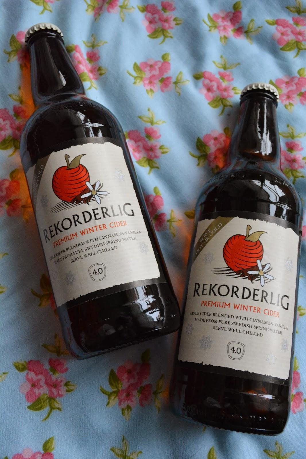 cider-winter-warm-alcohol-bottles