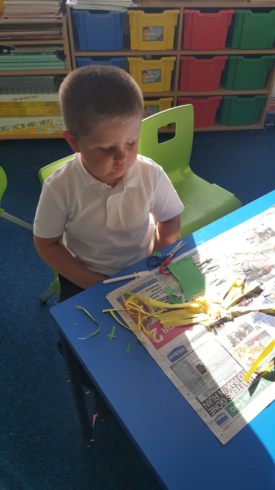 The Children Had To Cut A Circular Piece Of Card And Then Collage It With Tissue Paper Make His Face We Added Some Yellow Hair Using Strips