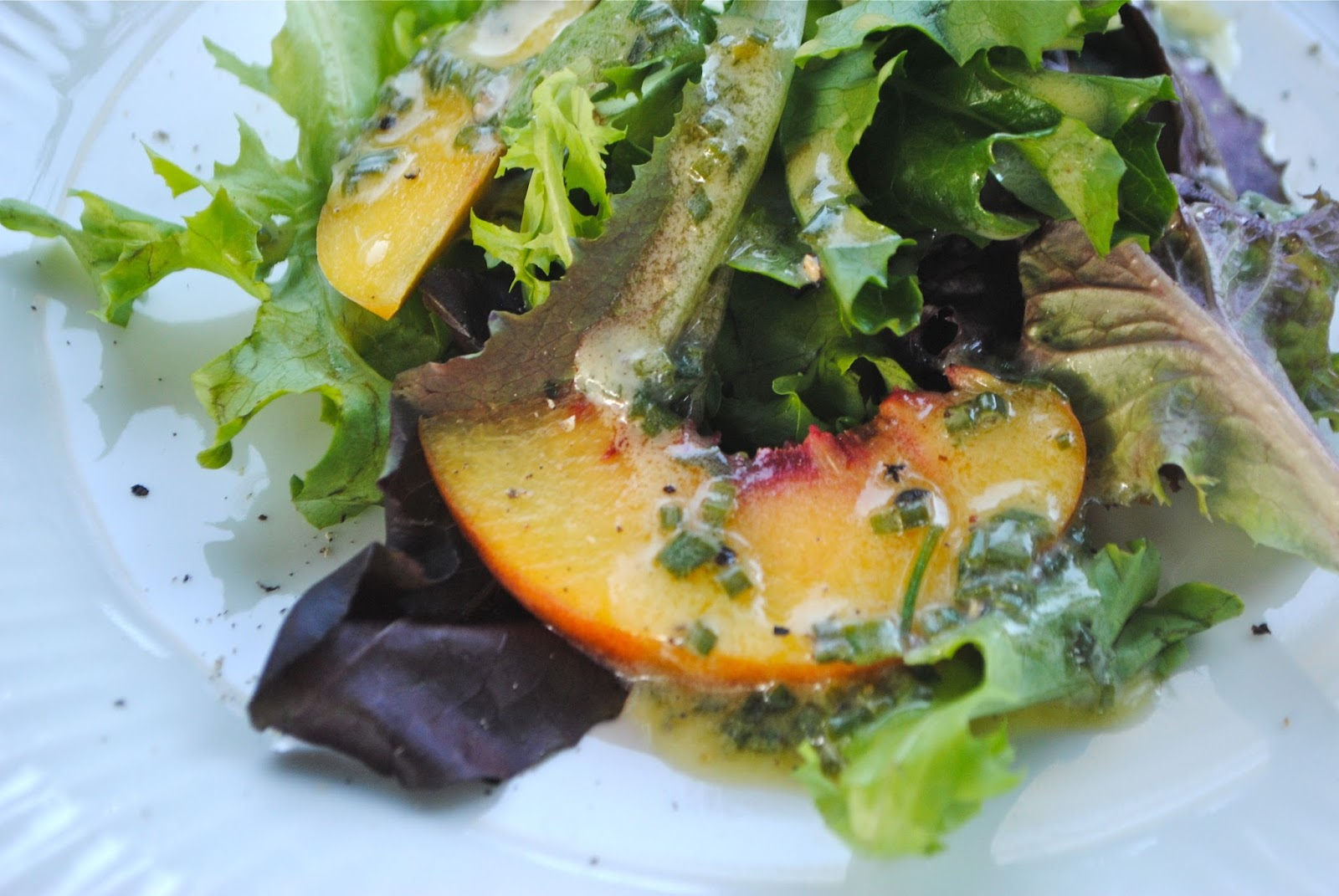 Recipe Doodle: BABY GREENS AND PEACH SALAD WITH CREAMY ...