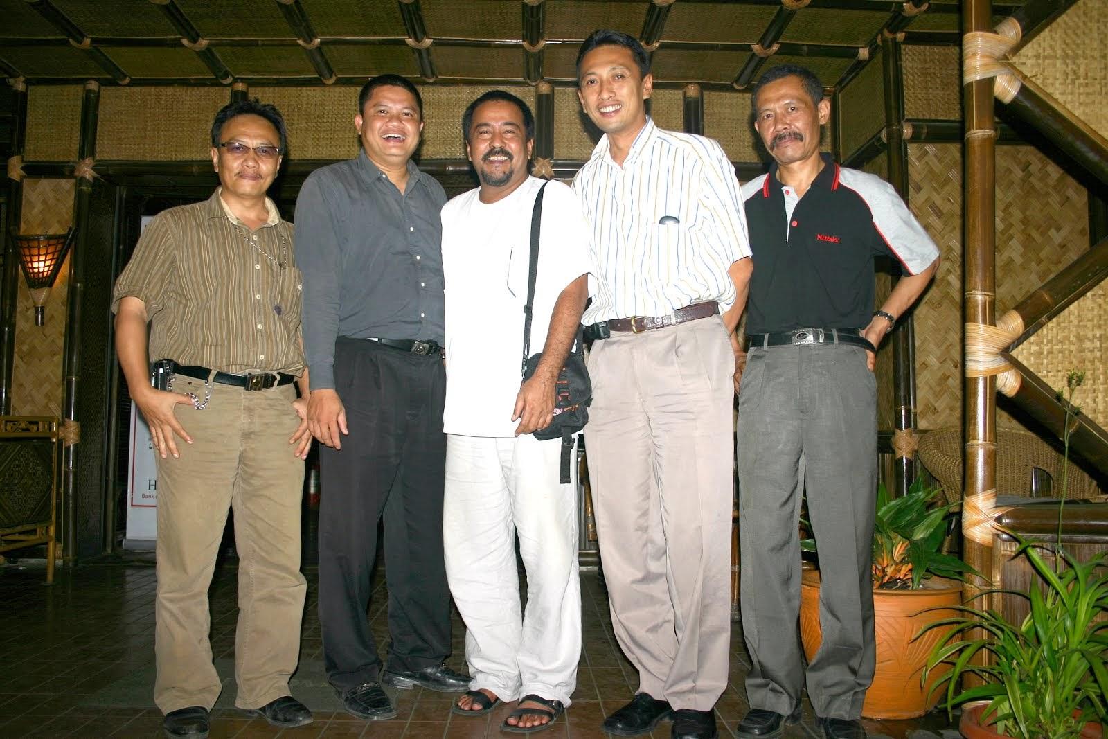 Bersama H. Rano Karno di RM. Panyawangan. 2006