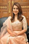 Rashi Khanna glamorous photos-thumbnail-14