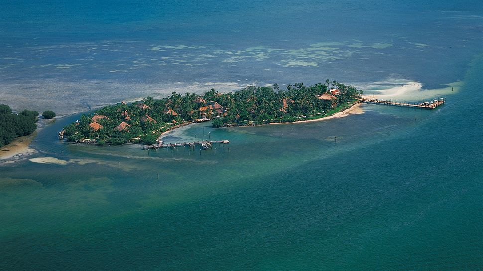 Luxury life design little palm island resort for Little island design