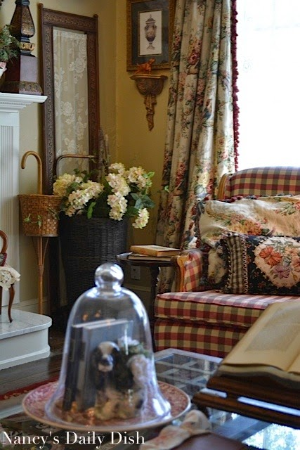 English Cottage Living Room nancy's daily dish: english cottage living room - before, partly