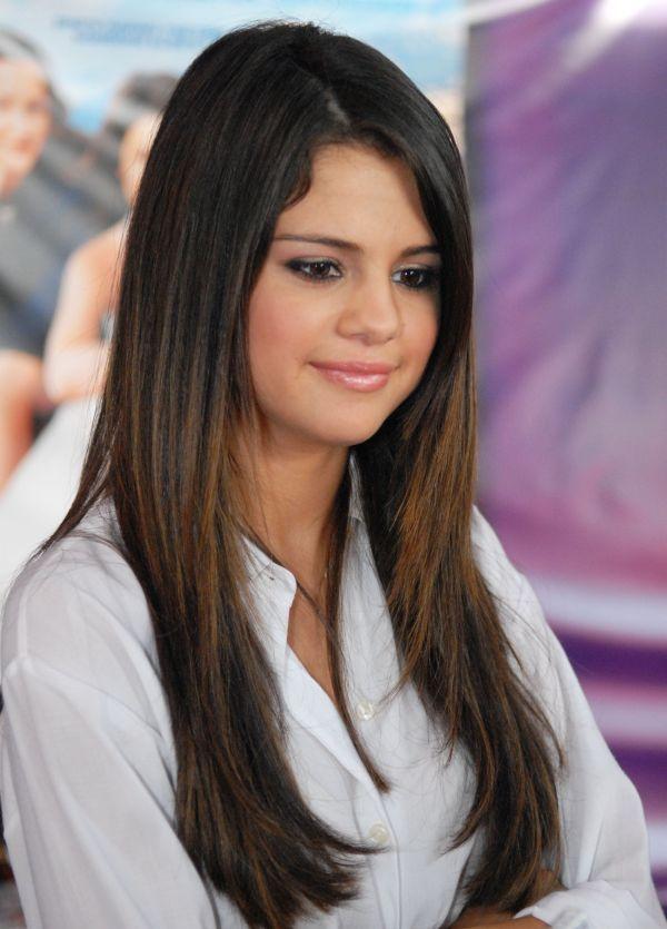 Celebrity Fashion World Selena Gomez Hair Long