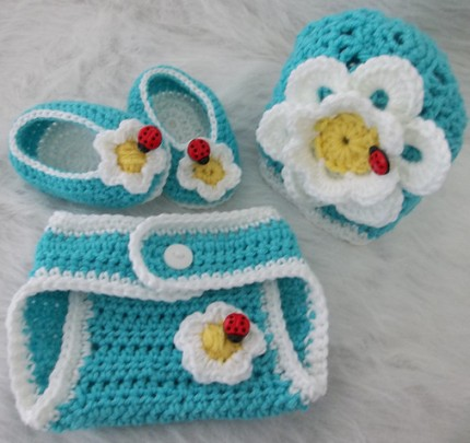 Don't Eat the Daisies Shell Beanie and Diaper Cover - Free Pattern