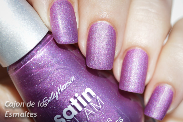 Taffeta - Sally Hansen Satin Glam sunshine swatch