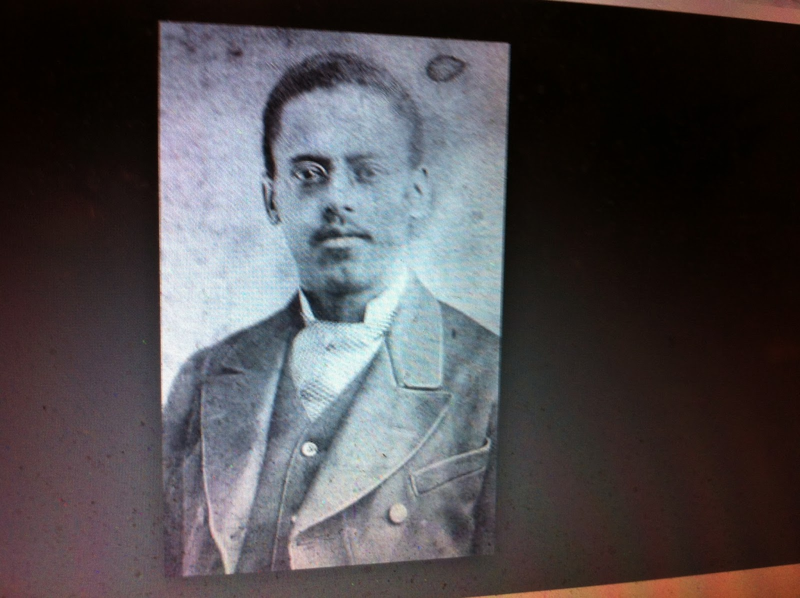 the life of lewis howard latimer Lewis howard latimer (september 4, 1848 – december 11, 1928) was an american inventor and draftsman early life lewis howard latimer was born in chelsea, massachusetts, on september 4, 1848, the youngest of four children of rebecca latimer (1826–1910) and george latimer (july 4, 1818 – may 29, 1896.