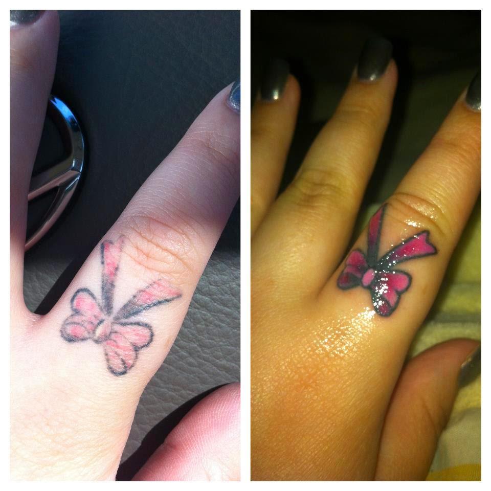 Evolver ink tatovering p hender og fingre for Finger tattoos fade