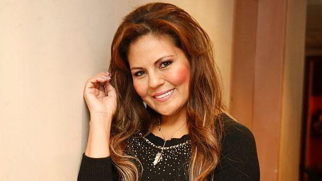 Dina Páucar denuncia que también es víctima de racismo en las redes sociales