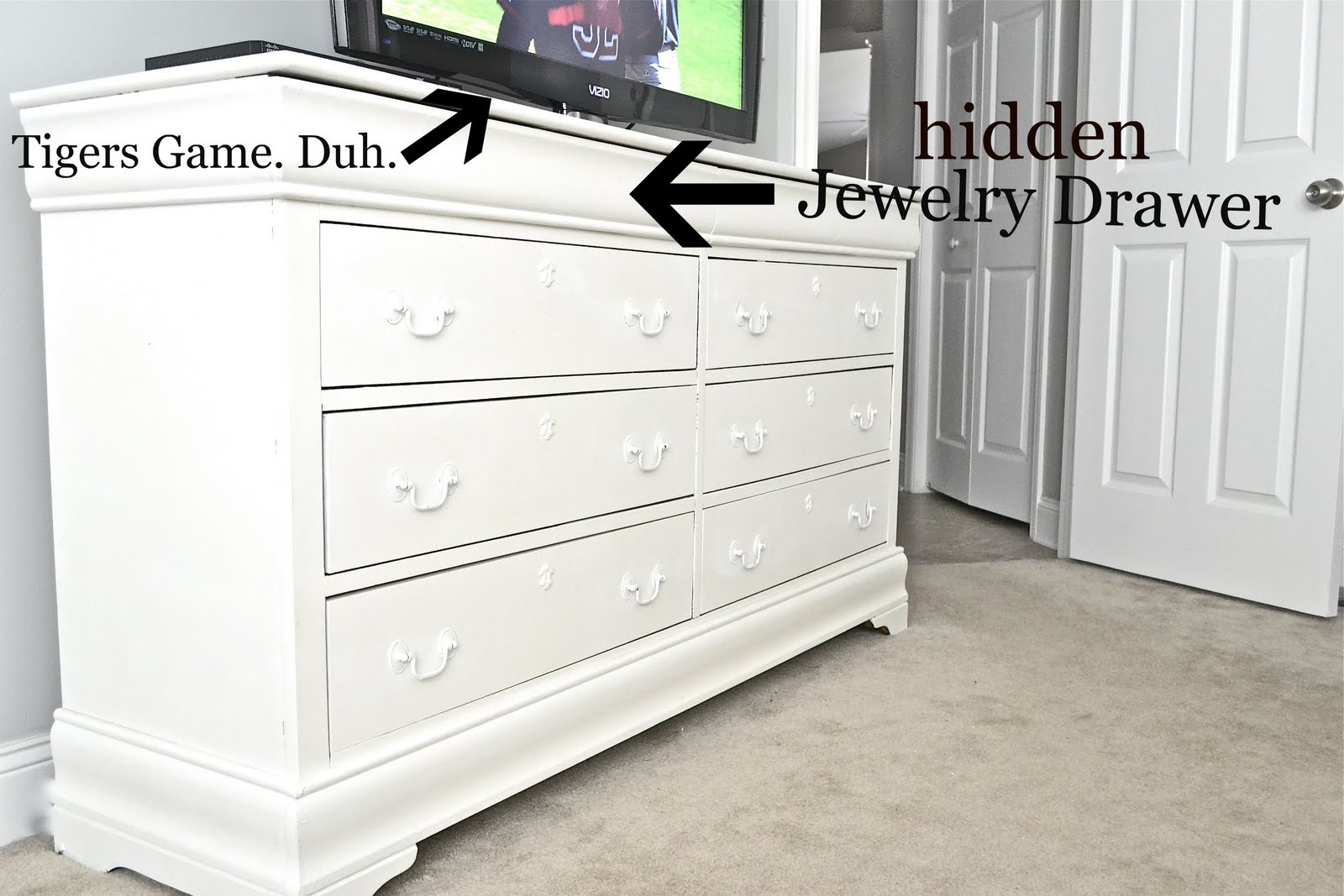 furniture lr dressers bedroom cases moser product shown thos bedroomcases with jewelry situ dresser category here sevendrawersidechest fnamemoser drawer