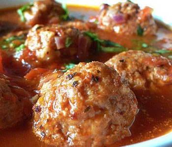 Bí quyết làm món Mọc thịt sốt cà chua ngon