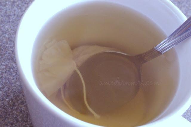 Teavana Strawberry Lemonade Loose-Leaf Herbal Tea Review — A Modern Mrs.