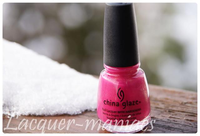 Jasna malina China Glaze - swatche