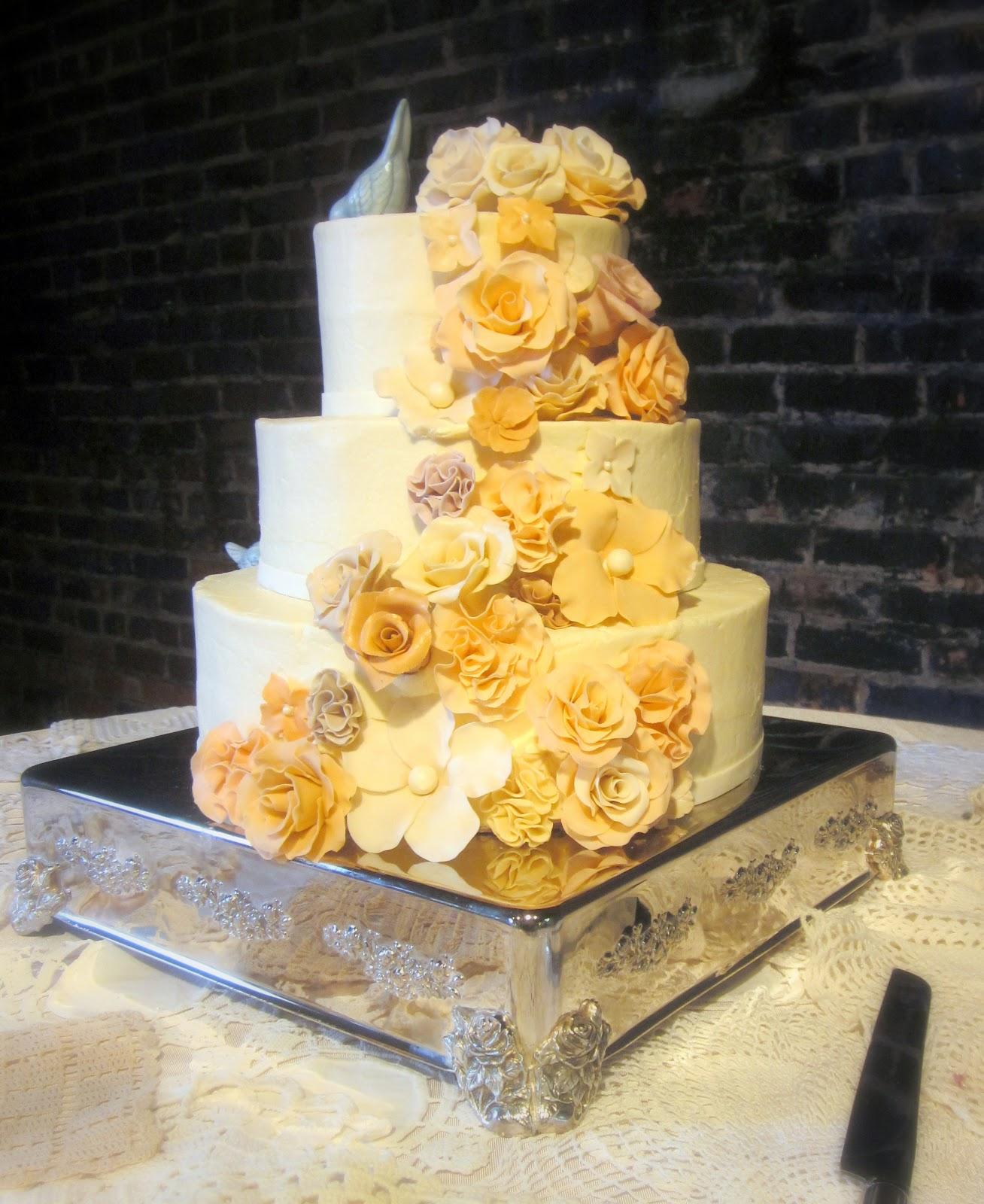 Darlin\' Designs: Vintage Wedding Cake