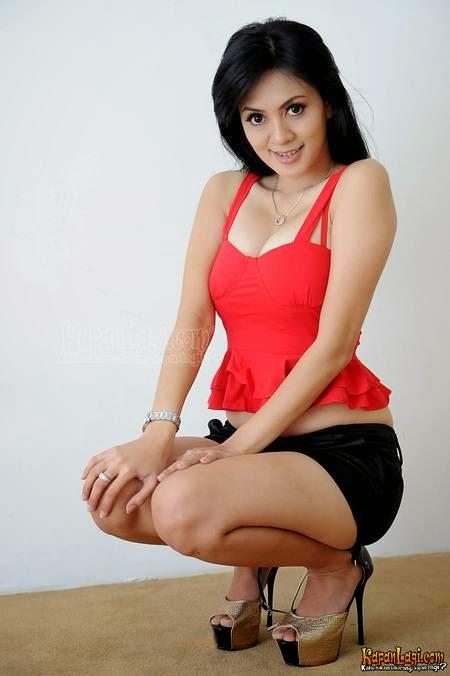 Foto Hot Model Indonesia Cherry Laurent di Majalah Popular