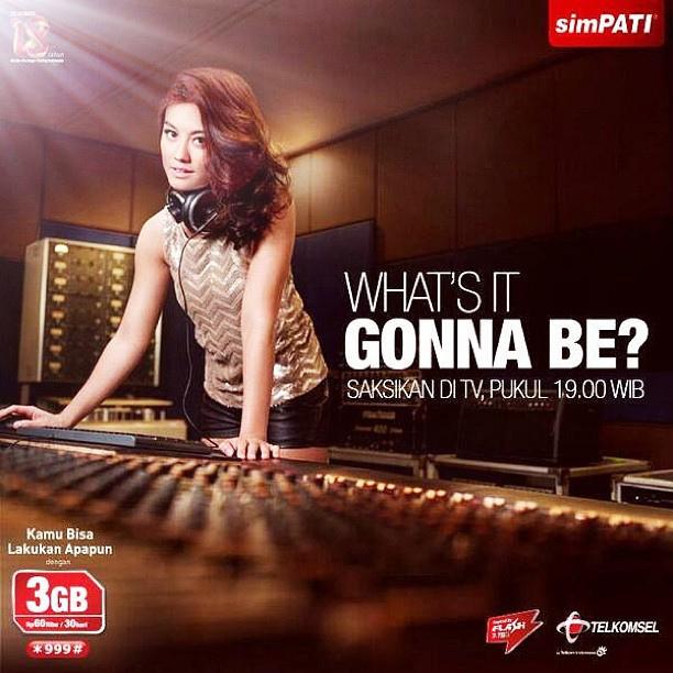 ... Monica - Walk.mp3 (Lagu Terbaru Agnes Monica di iklan Simpati 2013