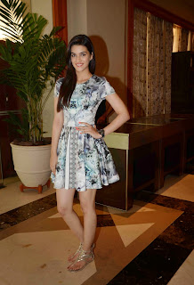 Kriti Sanon Pictures in Short Dress at The 16th IIFA Awards 2015 Press Meet ~ Celebs Next