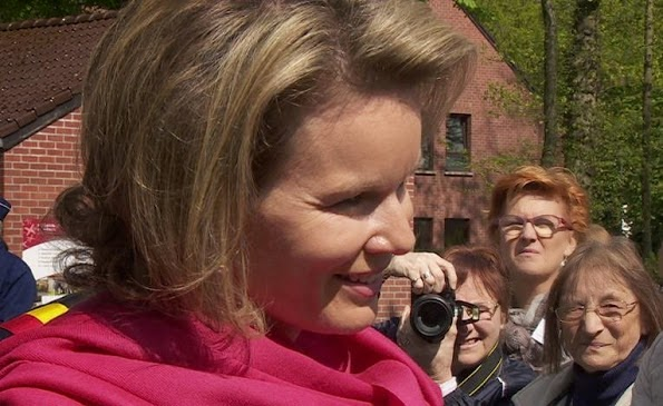 Queen Mathilde Visits Visual Impairtment Center