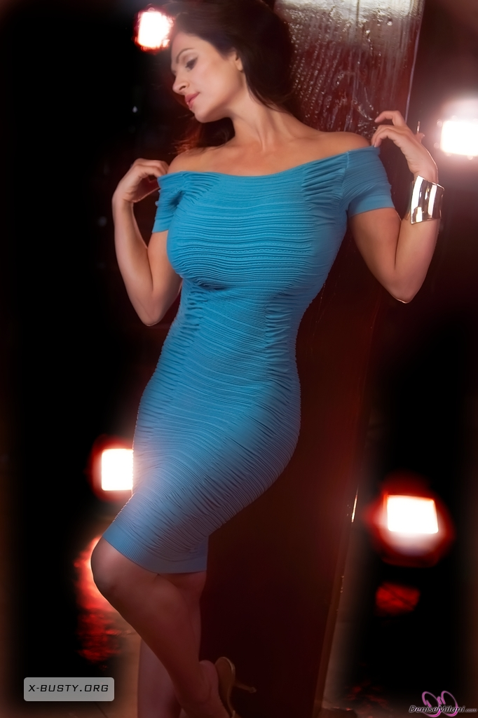 denise milani blue dress - photo #15