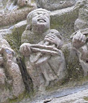 Monestir de Carboeiro. Representació d'un músic tocant la viola d'arc (Fotografia: Xavier Sierra)