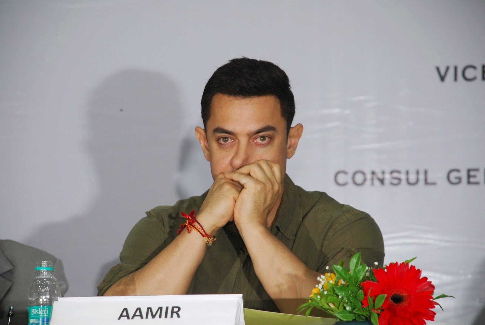 Aamir Khan launches 'My Marathi' book