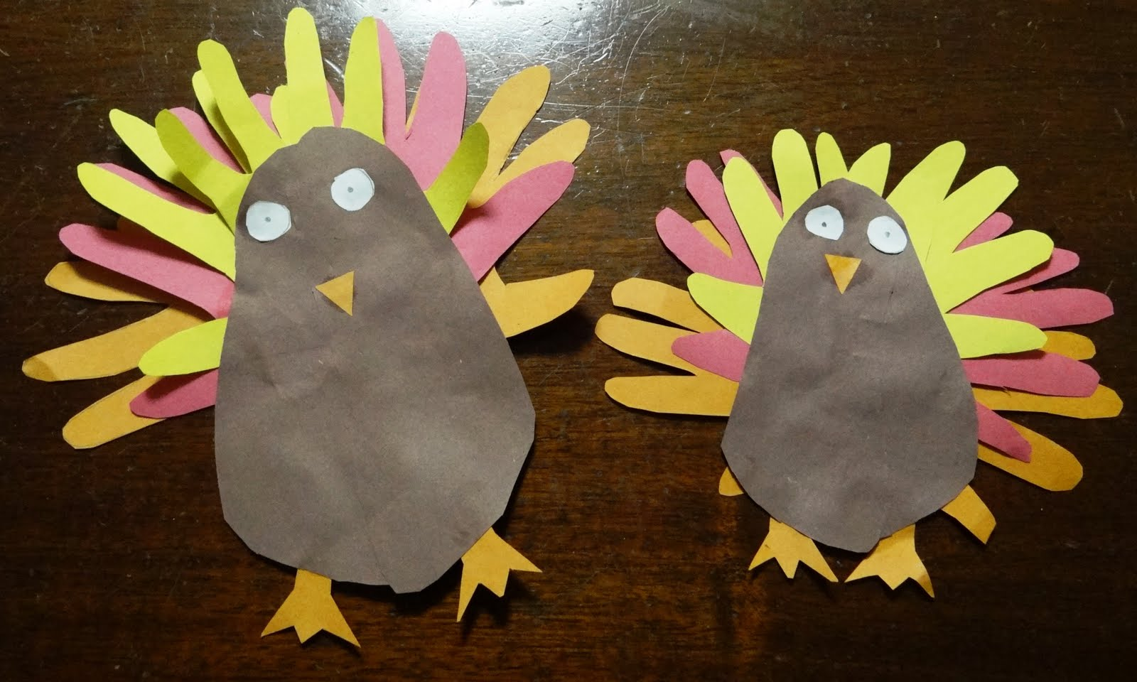 Easy and cheap thanksgiving craft the hand and foot for Easy cheap crafts
