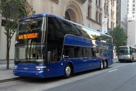 Fotot Bus Tingkat di Luar Negeri Warna Biru