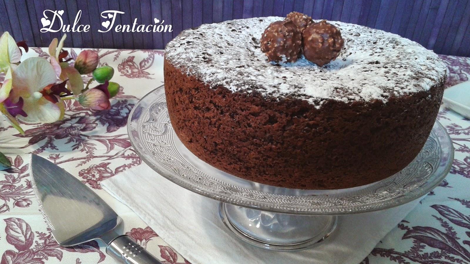 http://tengodulcestentaciones.blogspot.com.es/2014/11/bizcocho-de-chocolate.html