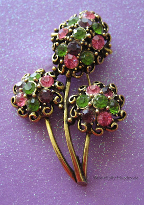 Vintage Hollycraft goldtone multicolored rhinestone brooch, 1950s or 1960s, Serendipity Handmade blog