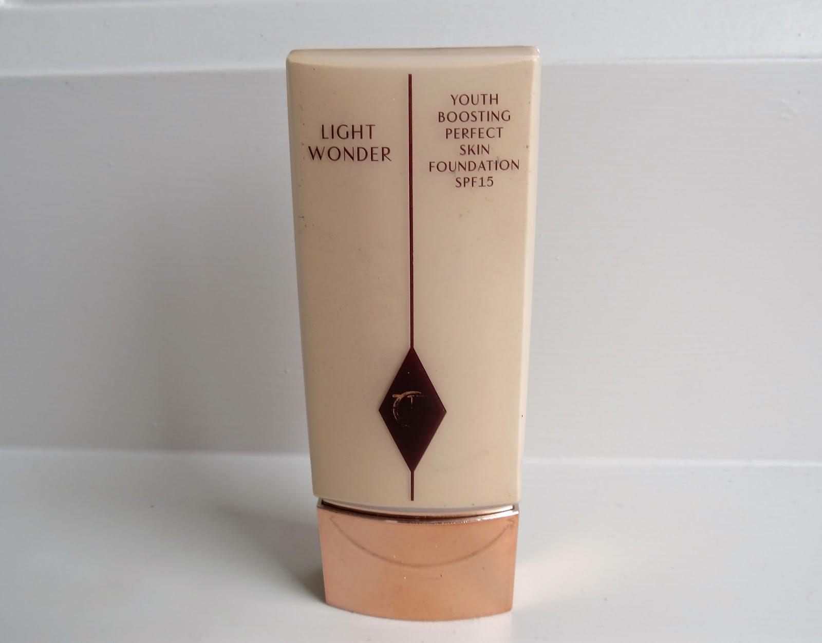 CHARLOTTE TILBURY LIGHT WONDER FOUNDATION REVIEW