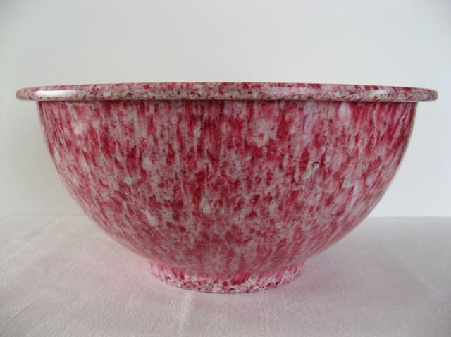VINTAGE MID CENTURY MELMAC TEXAS WARE SPATTER CONFETTI MIXING BOWL RED 118