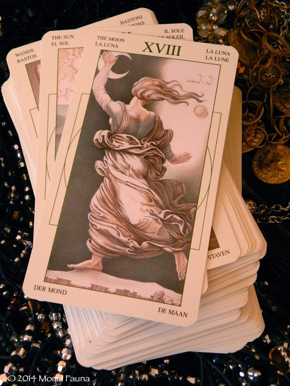 XVII The Moon/La Luna, from the DaVinci Tarot, developed by McElroy, Ghiuselev & Atanassov & published by Lo Scarabeo.
