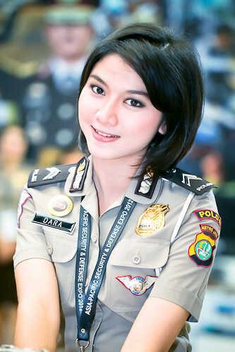 Foto Gallery Polwan Cantik Yang Sensasional Di Indonesia | SeoStarMoon