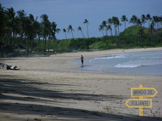Economizar correndo na praia