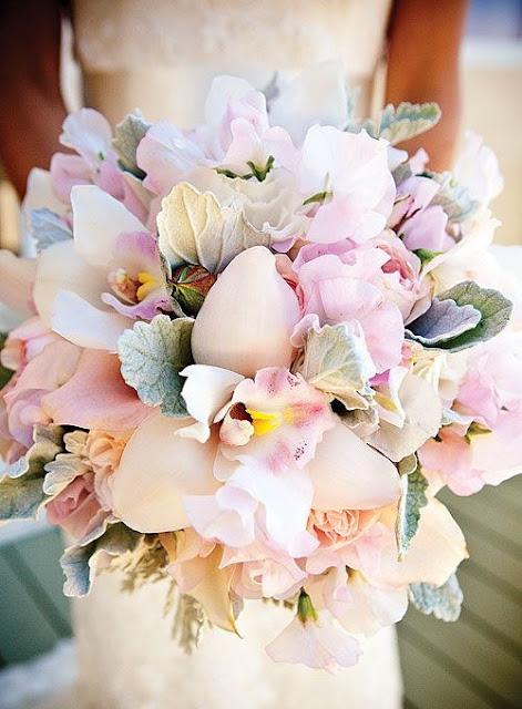 Ramo de novia con base de orquídeas - Foto: Pinterest