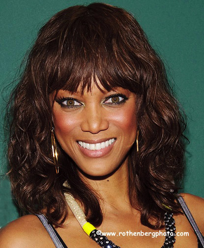 Tyra Banks Modelland: Debra L Rothenberg Photography: Tyra Banks Signs