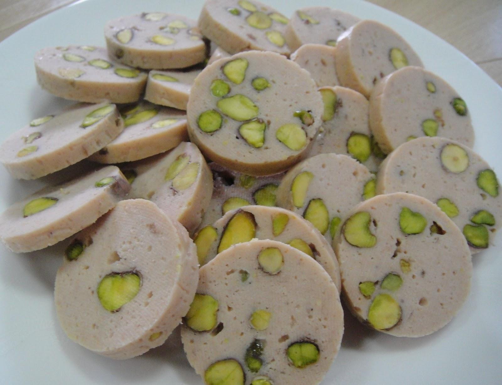 Maryam 39 s culinary wonders 83 chicken pistachio terrine rods for Chicken and pork terrine with pistachio