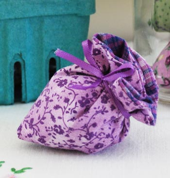 Karen's Lavender Strawberry Sachet Mother-Daughter  Sewing Kit