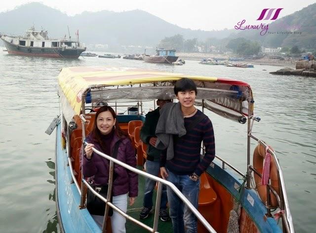 hong kong tourist attraction tai o boat ride