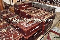 http://toko-jati.blogspot.com/2012/12/tempat-tisu-kayu-jati.html
